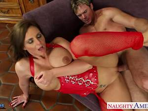 Passionate Phoenix Marie gets her delicious coochie railed