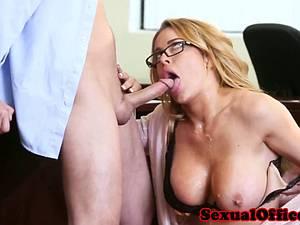 Sassy secretary makes her boss extra happy with her pussy