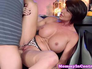 Teen guy has a good time plowing some experienced coochie